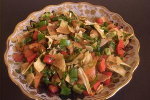 salat-s-podzharennym-xlebom-al-fattoush_8177
