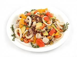 salat-iz-moreproduktov-assorti